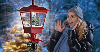 Julelykt med snø og LED belysning gatelykt